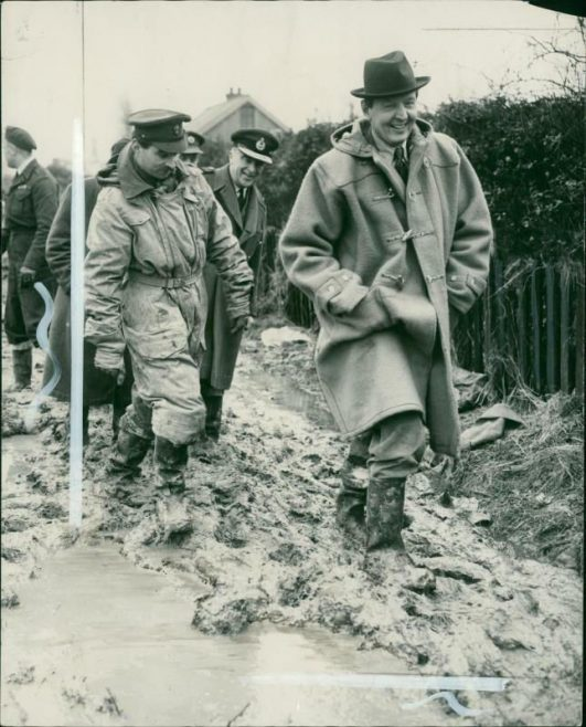 The Air Minister- Walks in the mud- at Canvey..