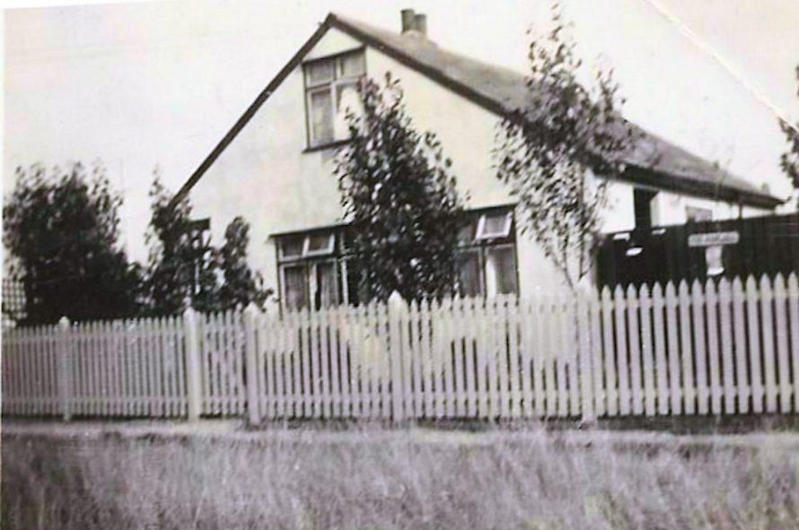 Poplars , Keer Avenue? Pickett fence