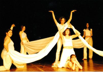 Who are these year 10 dancers in 2003?