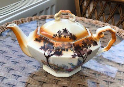 Canvey teapot