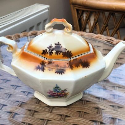 Canvey teapot