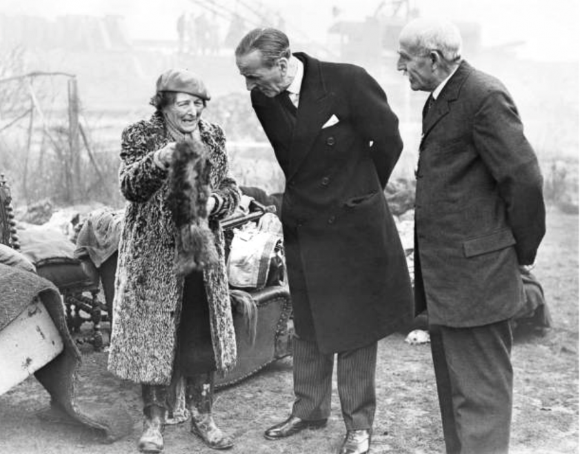Lord Mayor of London Sir Rupert de la Bere being introduced to Susan Wrightson who is showing him feather bower she had rescued.