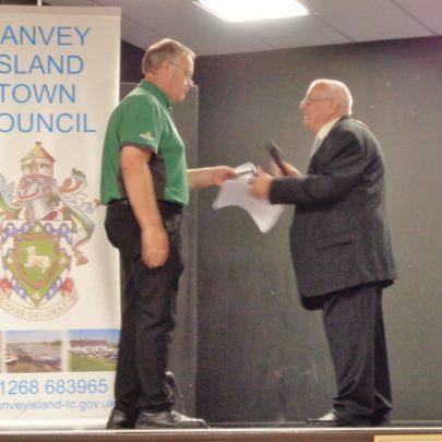 Alan Browne accepting his award.