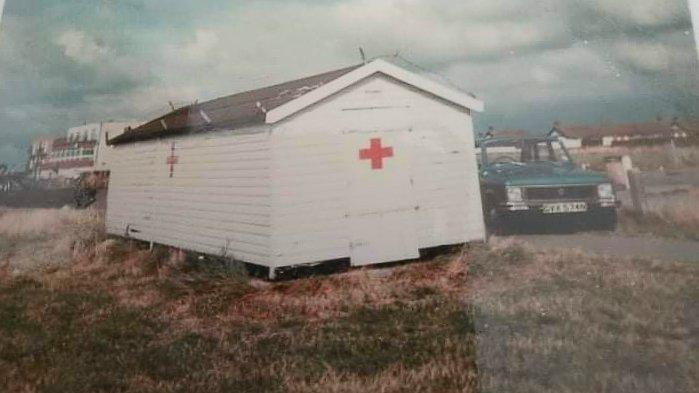 Red Cross Hut | Kathleen Leech