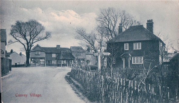 Looking towards the village from the West. Red Cow on the left, PO and pum p in the middle and Haven Road to the right | Published by kind permission of the late Mr H.A. Osborne and Mr R.W Osborne.