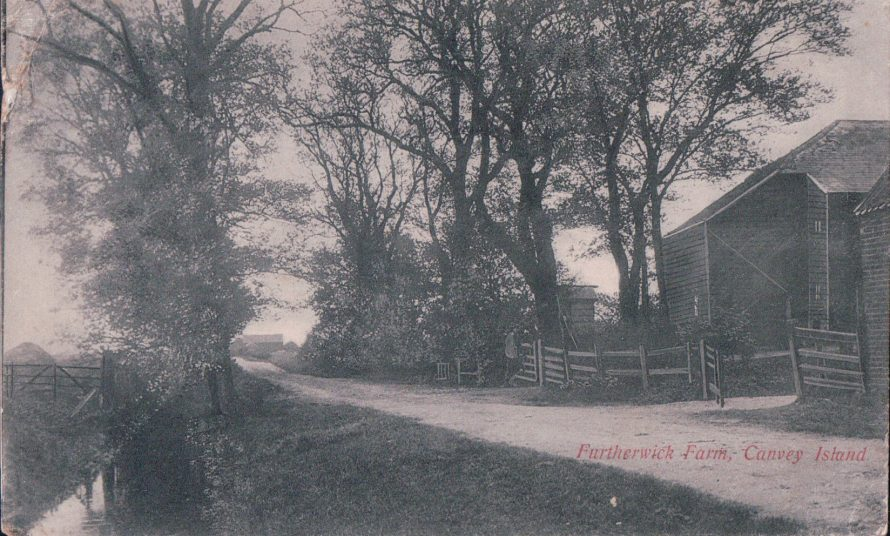 Entrance to Furtherwick Farm | Published by kind permission of the late Mr H.A. Osborne and Mr R.W Osborne.