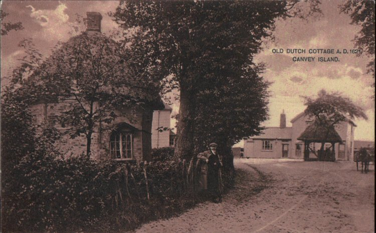 Old Dutch Cottage and Red Cow PH | Published by kind permission of the late Mr H.A. Osborne and Mr R.W Osborne.