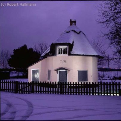The Dutch Cottage Museum in the Snow | Robert Hallmann (Slide)