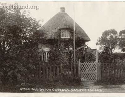 Canvey Island - Old Dutch Cottage with lamp | Jim Gray