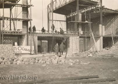 1933: Building the Casino | ©Swann