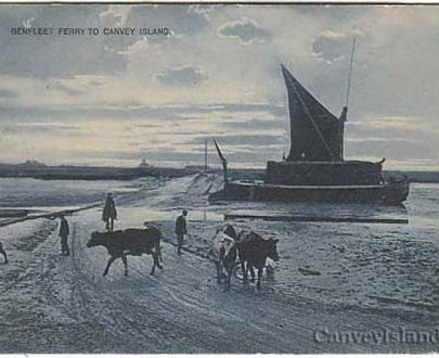 Thames Barge at the crossing point - compare this photo with the next...... | David Bullock