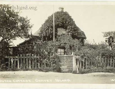 Old Dutch Cottage (left) with Bird House (right) - Canvey Island   Jim Gray