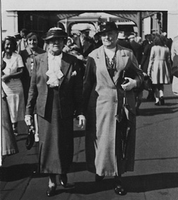 Mrs Harper and Ada Ogg at the entrance to Southend Pier. (The fashions have changed, but not the two ladies.)