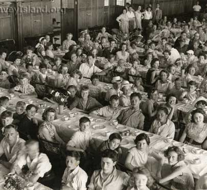 Meal in the Casino Ballroom in celebration of the end of the war (VE celebrations) | ©Swann