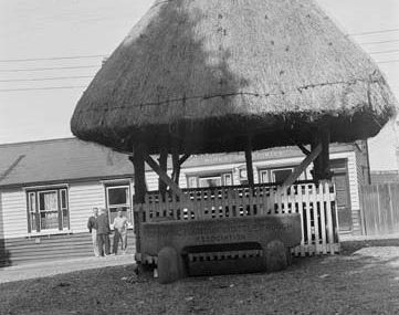 Village Pump and Red Cow PH 1935