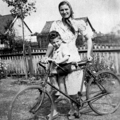 1939: Doris & Freddie Watts, Tilberg Rd, Canvey Island | Shirley Thomas