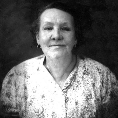 1940: Agnes Hollingbery - wife of George Hollingbery shoe repairer | Shirley Thomas