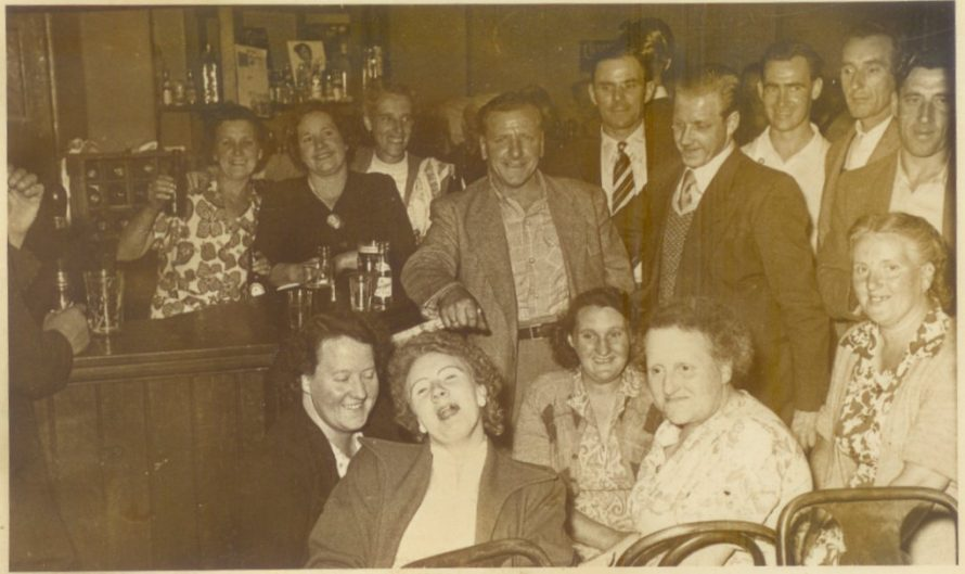 A group in a pub on Canvey c1950's | Pauline Gashinski