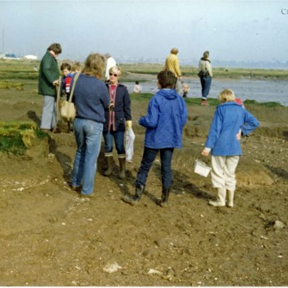 Aug  - Sept 1998: Archaological Dig at Canvey Island Point | Stan & Vera Oaker