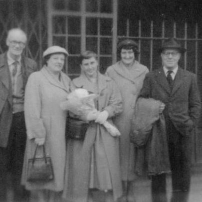 19 £10 POM at Tilbury 1957. Dad (Pop) Robinson, Mum, Brenda, Mrs Fenwick, Mr Fenwick. | Marian Patten