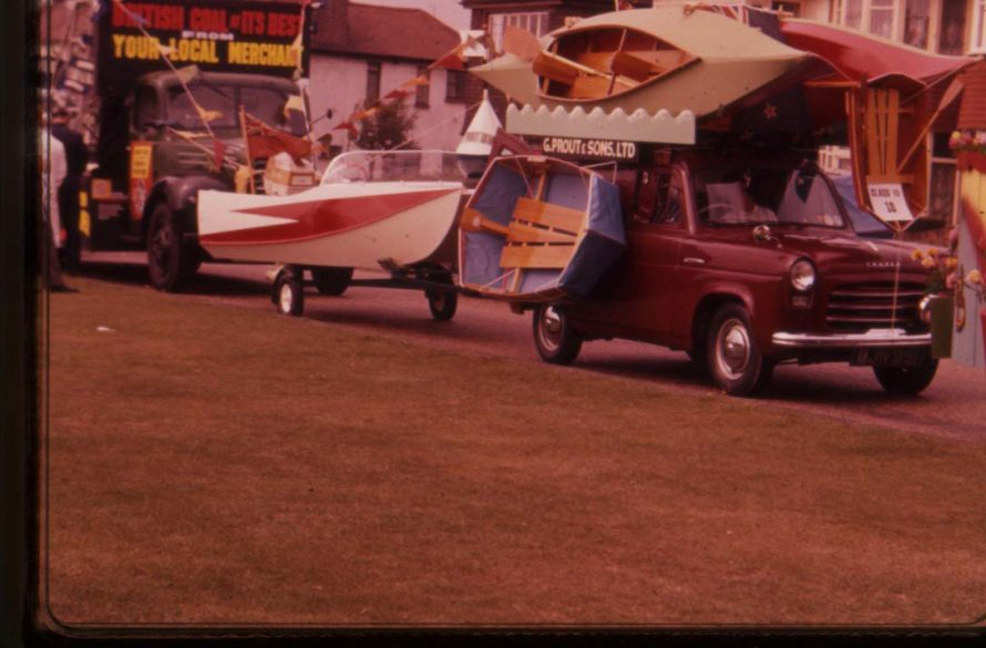 Towing 14' Panther power catamaran. 6ft folding Scoprel dinghy on side. 14ft & 12 ft folding canoes on roof. | Ian Hawks.