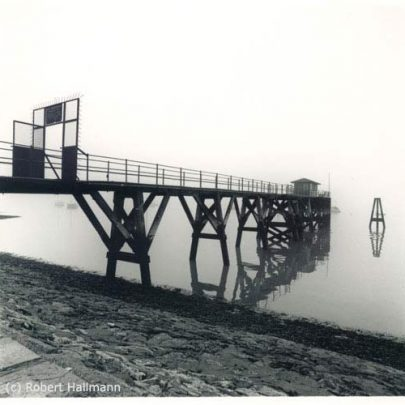 Thames Watch Jetty in the Mist | Robert Hallmann