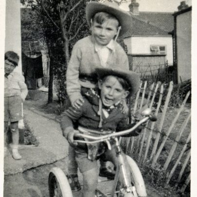 Me giving my brother Derek a lift. In the background looking bemused is George Young. | George Payne