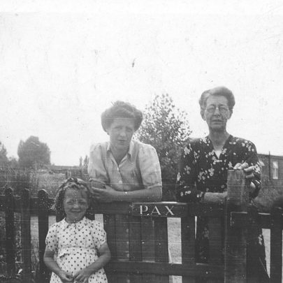 Val, her mother Flora, and my nan Daisy Deith at the gate of Pax, Brandenburg Road, Newlands | Val Wright