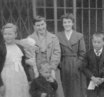 21 from left Susan White, Brenda Fenwick, Marian Patten, Brian White and Chris 1957 | Marian Patten