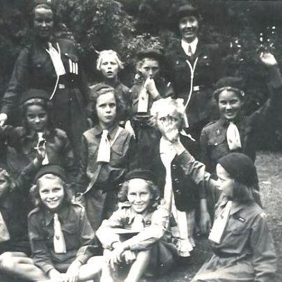 Brownies Revels with Brown Owl. (Ed. thats Phylis Owens back row right) | Greta Parker Quaif was Anderson