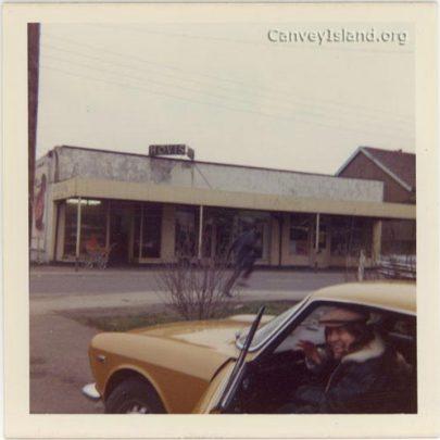 Shops 1971, youngest brother Trevor leaving for Israel kibbutz | Graham and Jenny