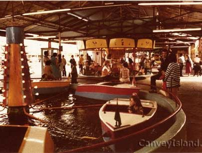 The Boats behind the Bingo between the Dodgems & Speedway. Later the Jukebox was in this area. | © The Swann Family