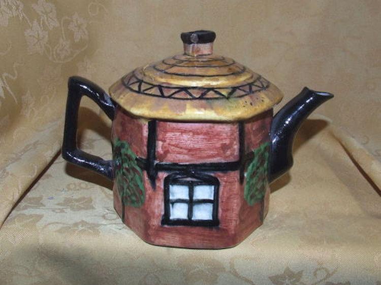 Hand Painted Dutch Cottage Teapot