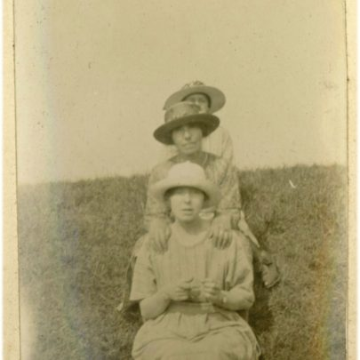 1922: The Stuckey women on Canvey's Sea Wall | David Bullock