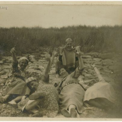 1922: The Stuckey family on Canvey Beach - Is this a rare shot of their Father Horace? | David Bullock
