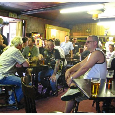 Walkers enjoy a cool drink in the Canvey Club   (c) David Bullock