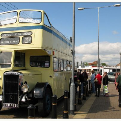 Bus taking passengers around the Island on free tours courtesy of the Castle point Transport Museum | Dave Bullock