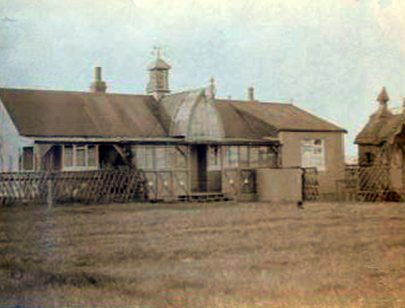 The house with the salubrious privy. The Mulleys' 'Buccleuch' bungalow, a setting for childrens' stories...   Courtesy of Barbara Pearce