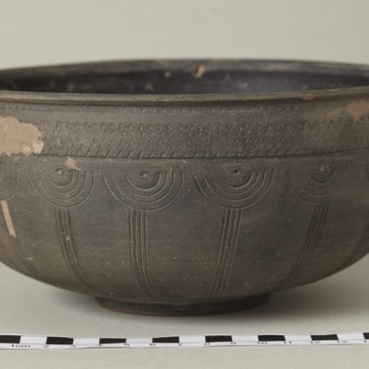 Beautiful pattern on this bowl, only to be buried. | Photo Tessa Hallmann