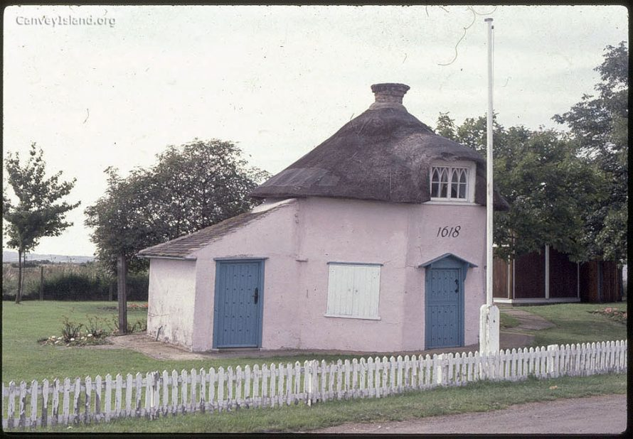 c1980: The Dutch Cottage Museum of 1618 | (c) David Bullock