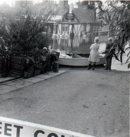 Oysterfleet Pub