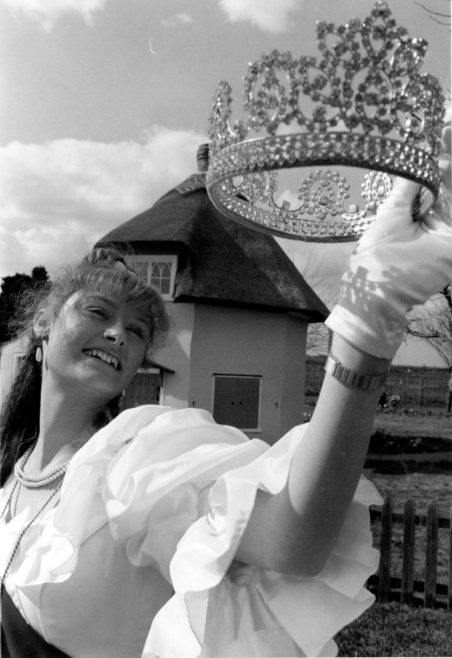 Maria Cain Carnival Queen 1995 | Echo Newspaper Archive