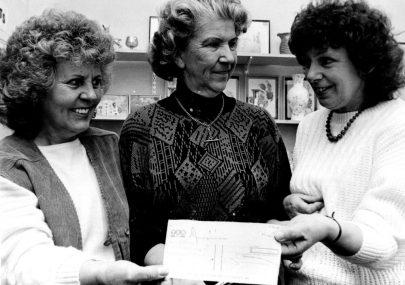 Cheque Presentation 1987