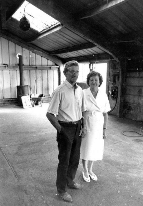 Joan and Geoff Lythgo | Echo Newspaper Archive
