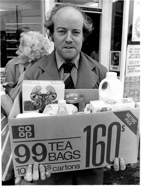 Nigel Beavan manager at the Co-op in 1980. | Echo Newspaper Group