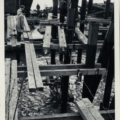 Building of the Gas Works Jetty | Rod Bishop