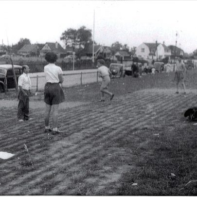 Rounders on the Front 1950's | (c) Tricia Booth