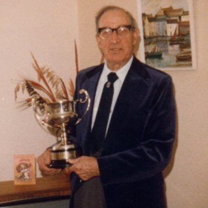 Bill Beaver with his cup | Janet Dolling
