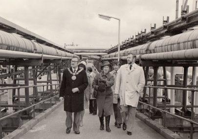 Mayors Visit to Methane Terminal
