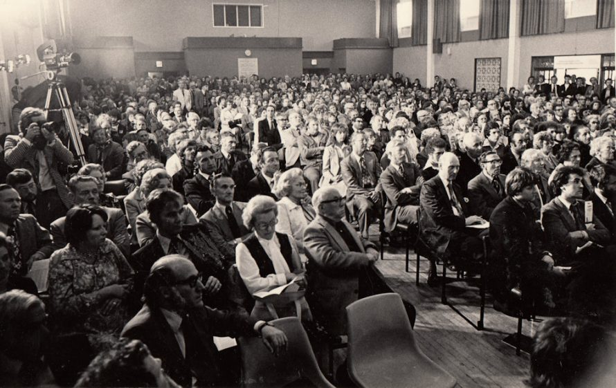 Public Meeting over Gas Installations 1978 | Echo Newspaper Group